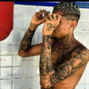Foto de Moreno tatuador 21 anos bbnmlkkokjjjjhggfffffgghhjjj